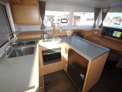 catamaran-lagoon-450-sport-top-9